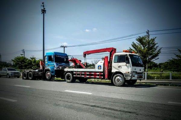 บางพลีรถยก โทร. 099-232-2999 บริการรถยก รถสไลด์ ยกรถบรรทุก 10ล้อ เทรลเลอร์ และบริการรถสไลด์ 24 ชั่วโมง รถยกบางพลี รถยกสุวรรณภูมิ รถยกมอเตอร์เวย์ รถยกบางบ่อ รถยกบางเสาธง รถยกเทพารักษ์ รถยกลาดกระบัง รถยกกาญจนาภิเษก รถยกบูรพาวิถี รถยกบางนา รถยกแบริ่ง รถยกอ่อนนุช รถยกอุดมสุข รถยกสวนหลวง รถยกสุขุมวิท